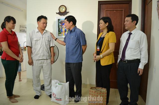 gan-888-cong-nhan-phai-lam-them-gio-moi-du-song